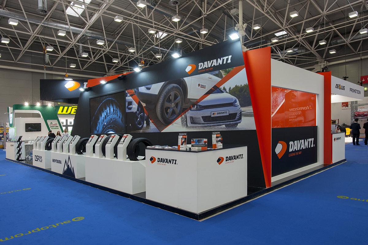 stand davanti Autopromotec 2017