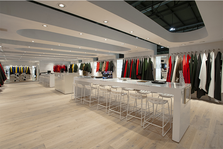 stand linea pelle